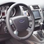 Кожаный руль на Ford Kuga Киев