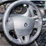 перетяжка руля кожей Renault Fluence