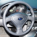 Subaru Forester перетяжка руля кожей