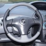 оплетка из кожи на руль Toyota Auris