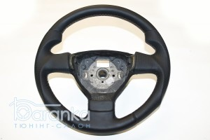 Volkswagen Golf 5/Passat B6 - 3000 грн: анатомічний руль + австрійська гладка шкіра зі вставками перфорації + алькантара на задній кришці